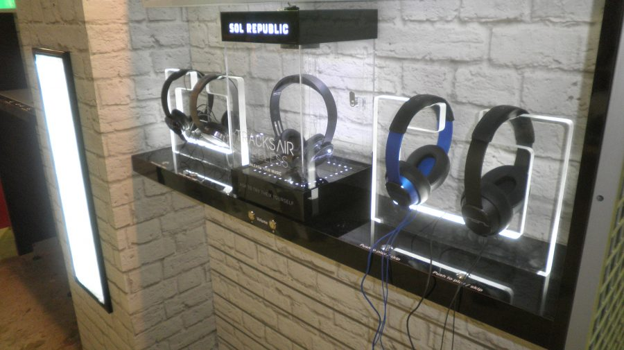 Custom Acrylic Headphone Holders